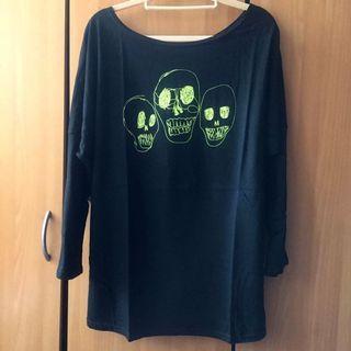 LULUS。落肩款 黑色寬肩螢光骷髏💀圖樣造型七分袖T-shirt #半價衣服拍賣會