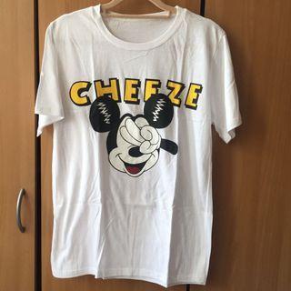 Say cheese🧀 !比ya自拍的米奇 白色圓領短袖T-shirt #半價衣服拍賣會