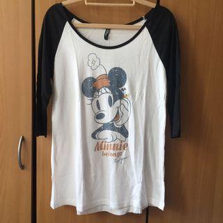 LOVFEE@Disney迪士尼系列,迪士尼Love set心有所屬女版上衣,米妮Minnie 黑X白五分袖棒球T。白色M號 #半價衣服拍賣會