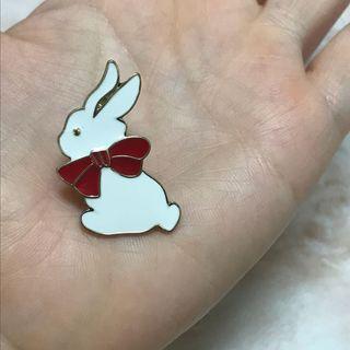 🚚 兔子 胸針 可別在帆布包上
