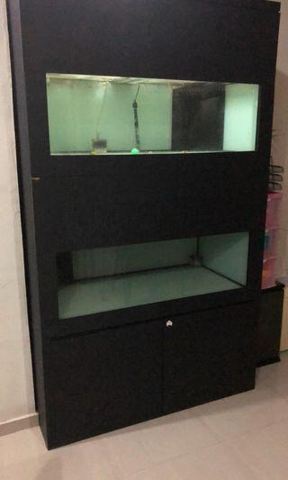 🚚 2 tier 4feet by 2 feet by 2 feet height power by sump tank selling for $500. Glass covers included without motor. No leakage and in good condition
