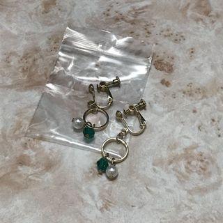 綠珠珠珍珠款 夾式耳環