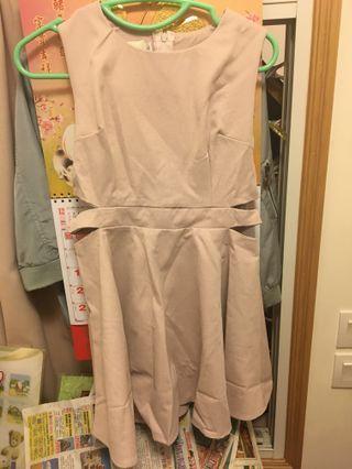 淺粉紅色斯文裙