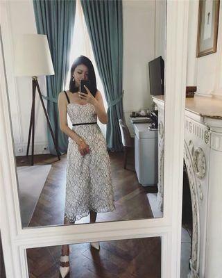 Lace dress beach dress 蕾絲中裙