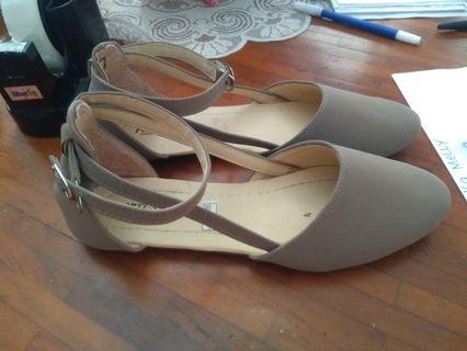 Flat shoes size 39