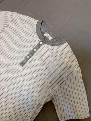 🚚 棒球條紋扣領衫、韓系男裝、灰色