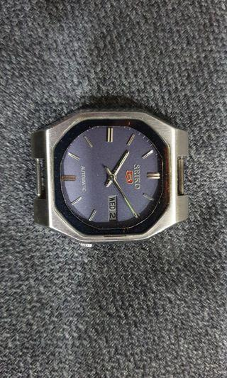 🚚 VINTAGE SEIKO 5 AUTOMATIC JAPAN MEN'S WATCH(Pre-owned)