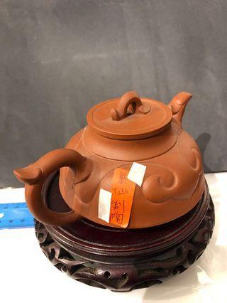 Zisha teapot (紫砂壶,莱仙制陶款)