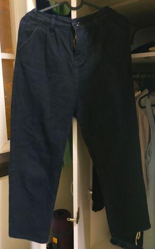 高腰後鬆緊黑色直筒長褲
