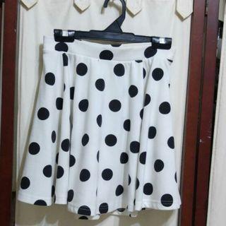 Black and White Polka Dot Skirt #EndgameYourExcess