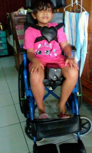 Kursi roda anak-anak modifikasi