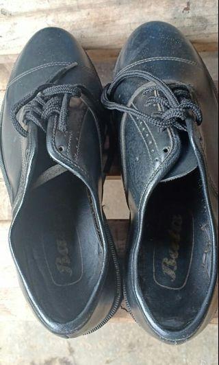 Sepatu formal Pria Bata