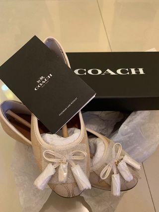 Coach Flat