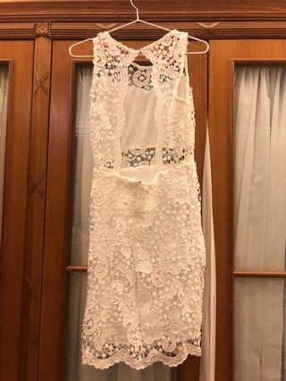 白色露背lace連身裙