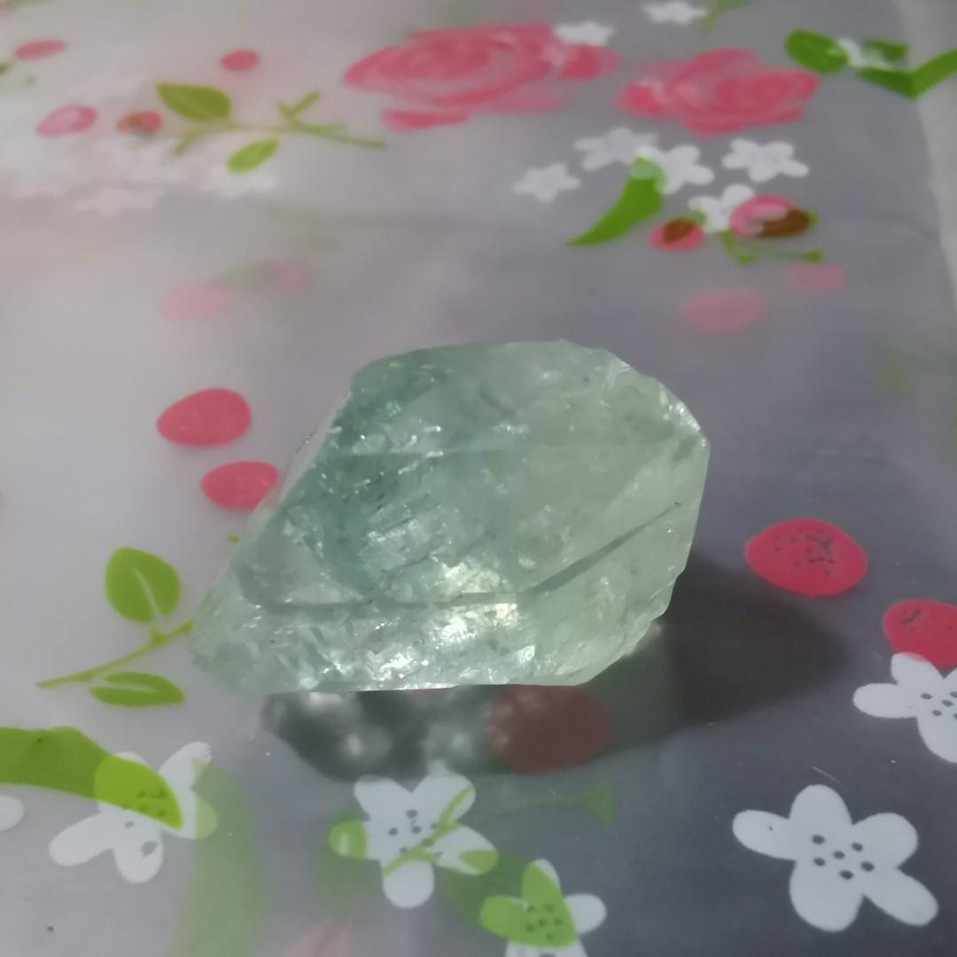 綠色魚眼石 green apophyllite