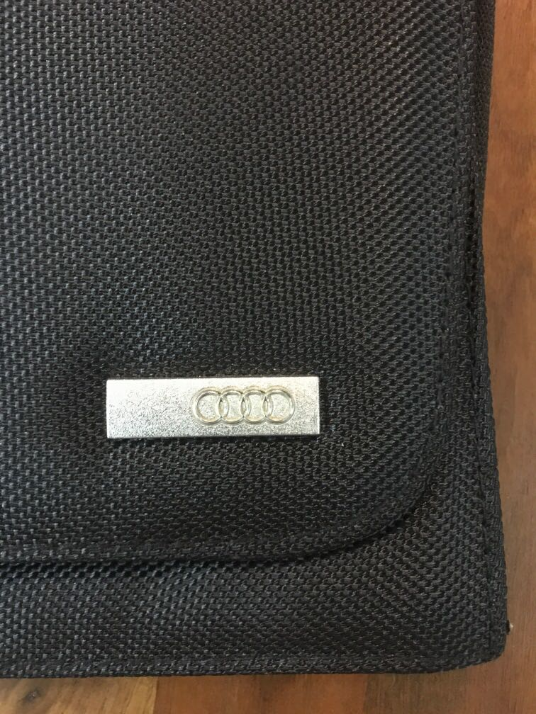 Audi pouch / card holder