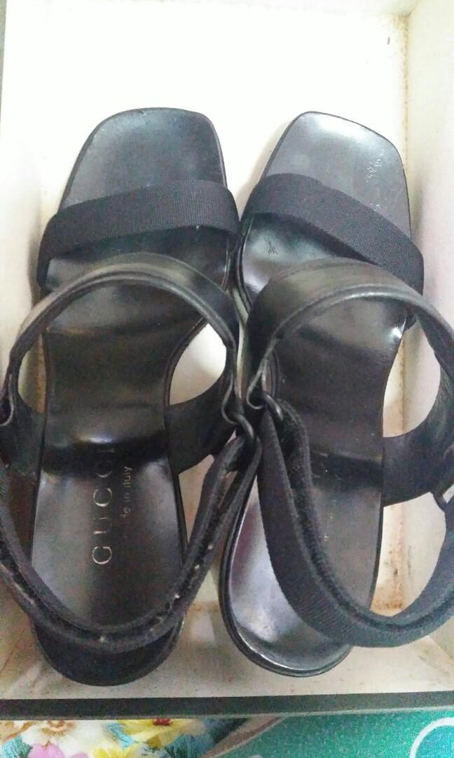 Authentic Gucci Wedge Sandal Size 35 1/2