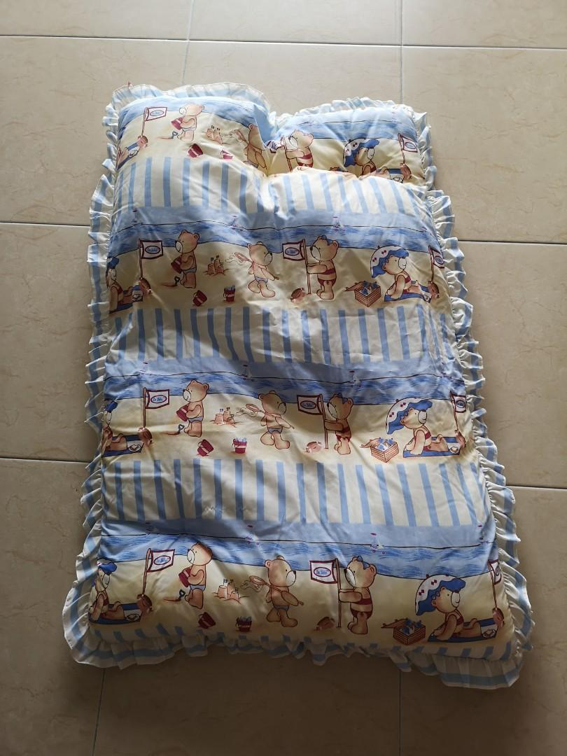 Baby polyester mattress with pillows and babysafe latex pillow