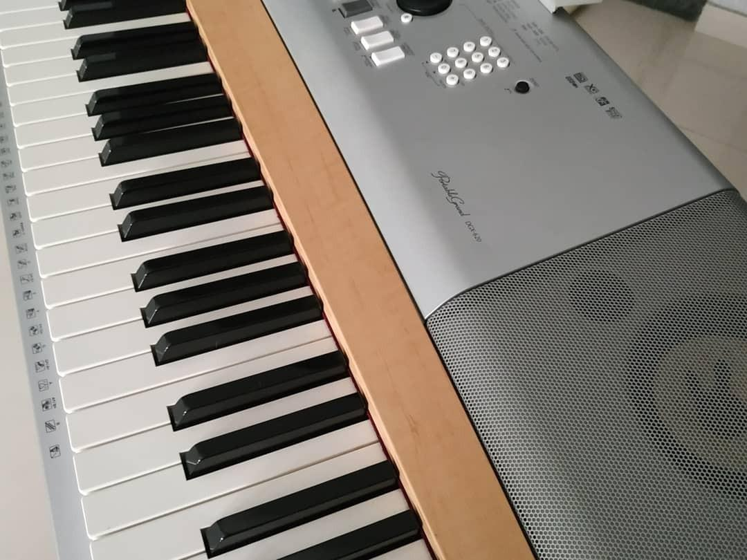 Grand piano keyboard portable
