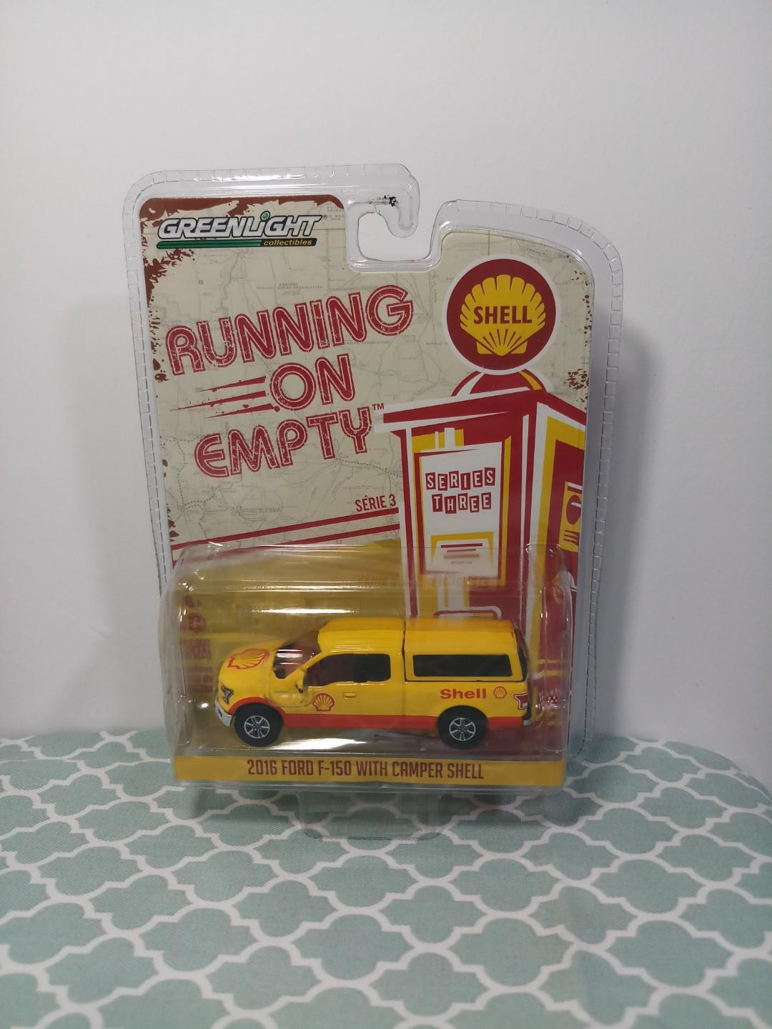 Greenlight Collectibles 1:64 Running On Empty Series3 2016 Ford F-150 with Camper Shell