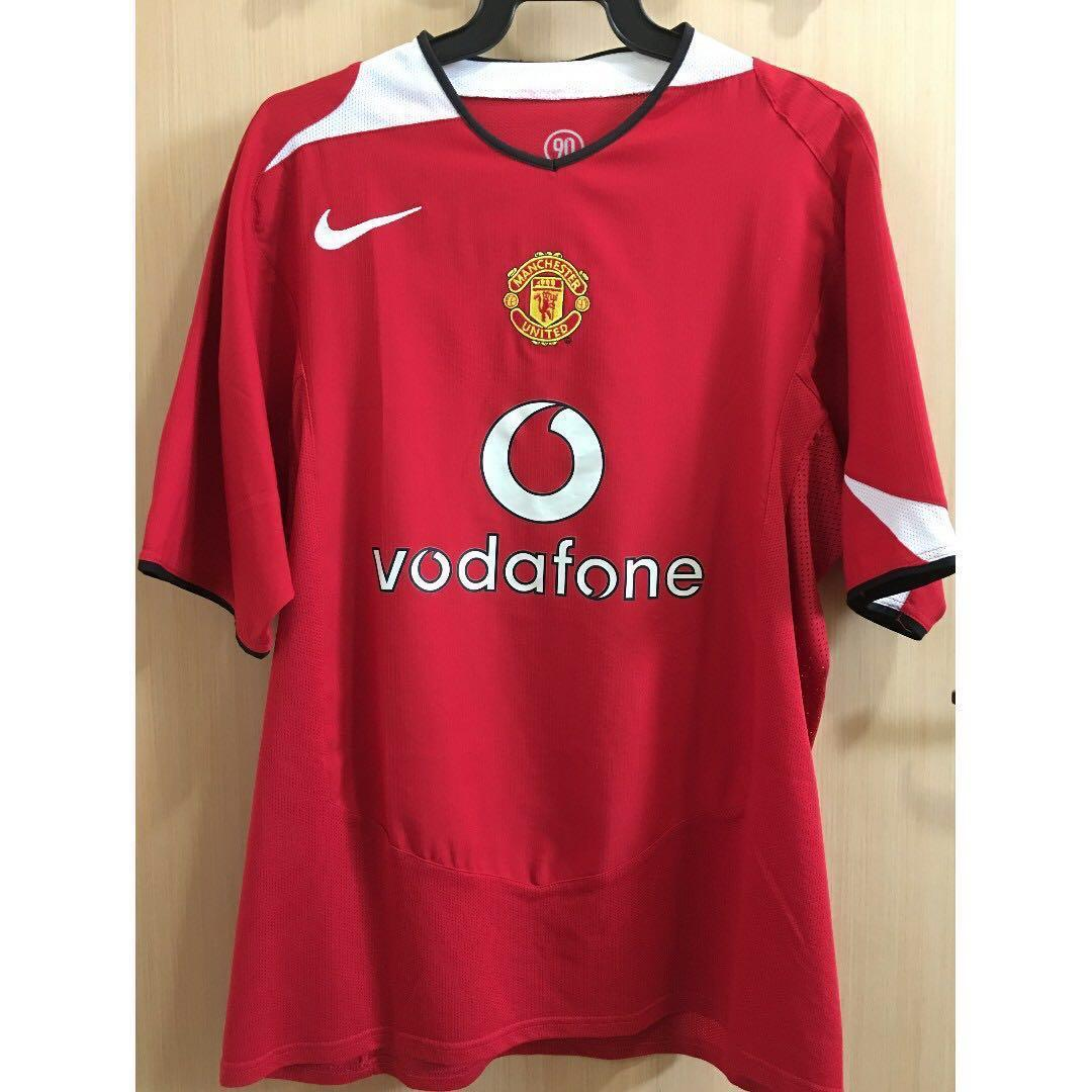 differently 2068e e739a Manchester United Home Jersey (2004 - 2005), Sports, Sports ...