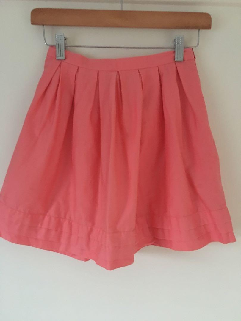 ModCloth coral pink pleated  skirt size 0 (4-6 aus)