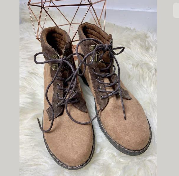 Novo 37/US6 brown ankle boots lace up suede women shoes winter classic fashion