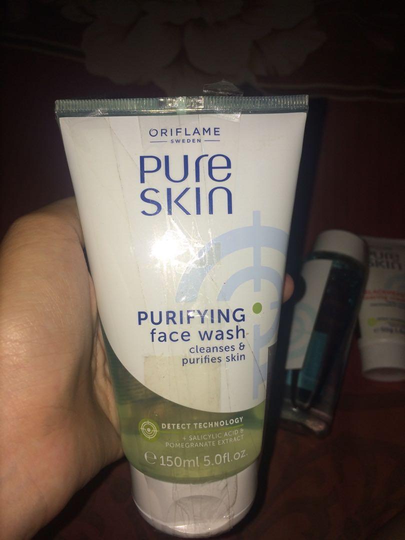 Oriflame Pure Skin Scrub + Facewash & Facewash biasa.