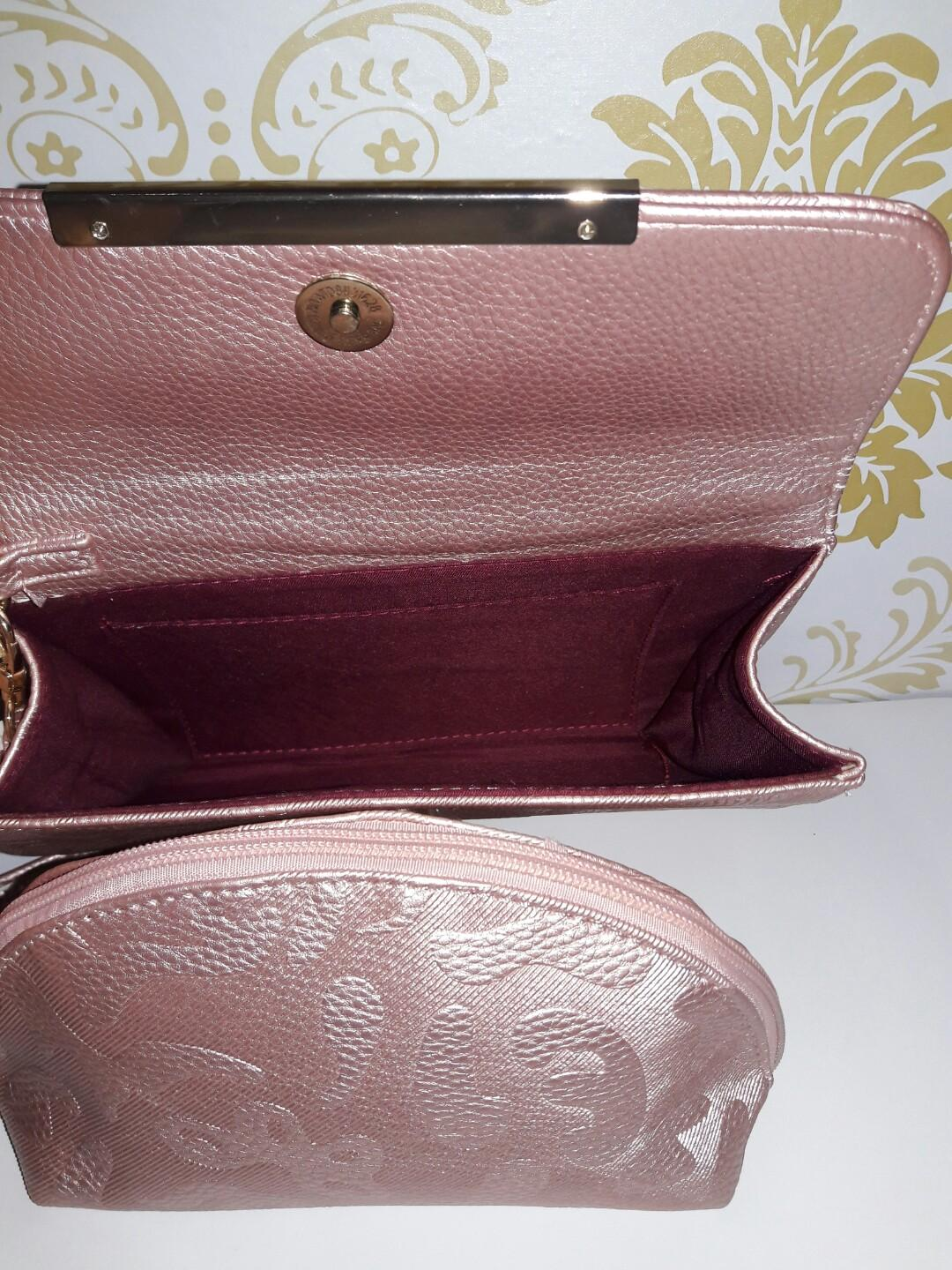 Preloved Handbag Free Pouch