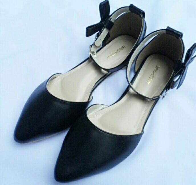 Sendal sepatu modern murah meriah