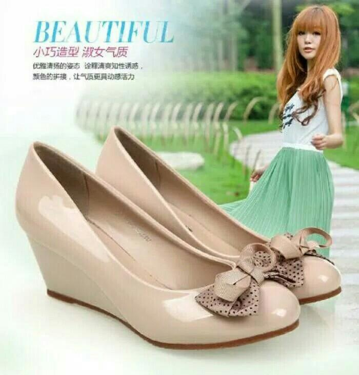 Sepatu Wedges Pantofel Pita polka Cantik lucu