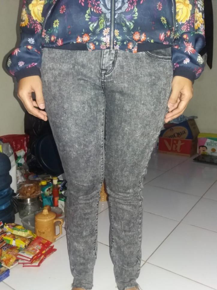 Uniqlo Jeans Cut Off