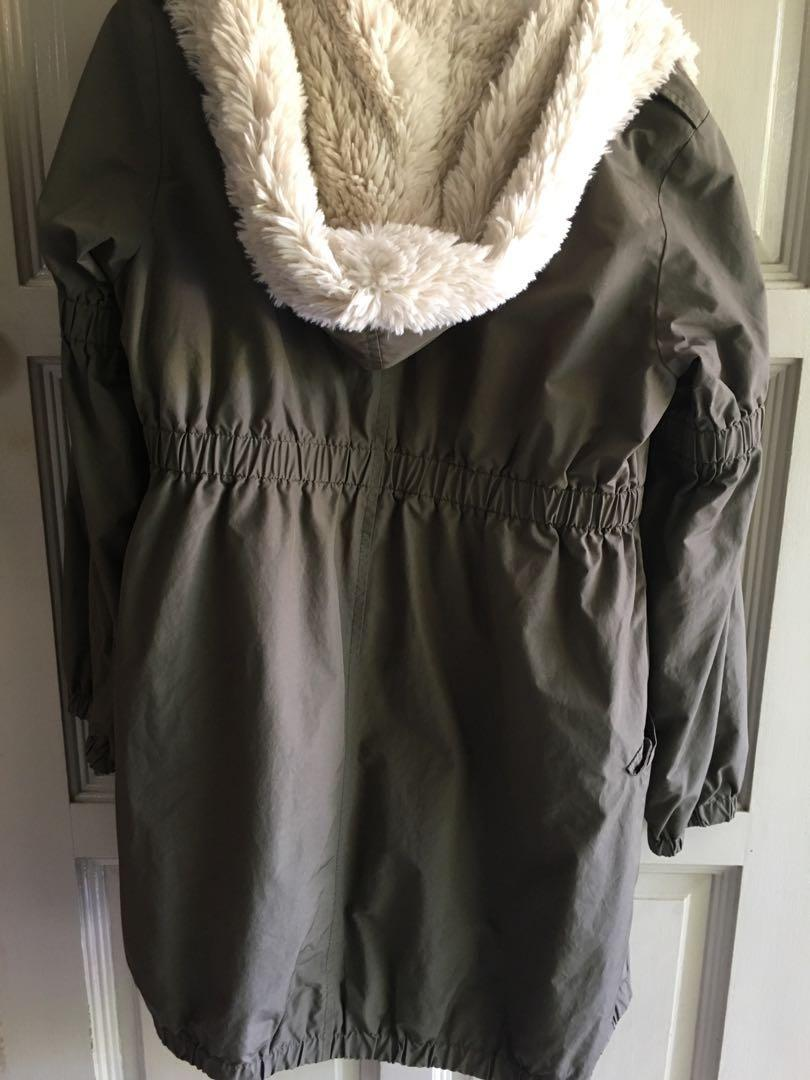 Uniqlo X Balcony and Bed collab Army Green Fur neck parka