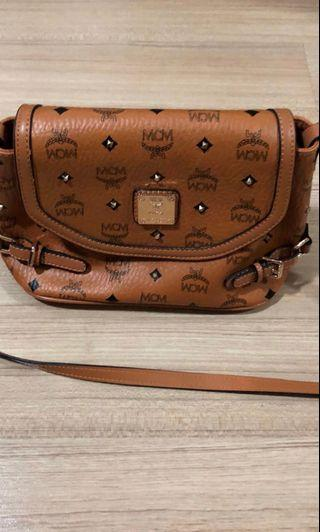 🚚 MCM Handbag