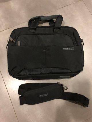 American Tourister Laptop Messenger Bag