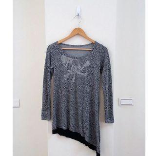🚚 龐克風豹紋燙鑽長版衣