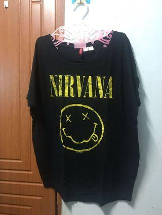 oversized H&M NIRVANA edition