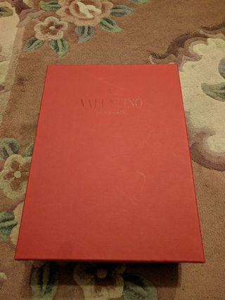 Valentino shoe box 鞋盒