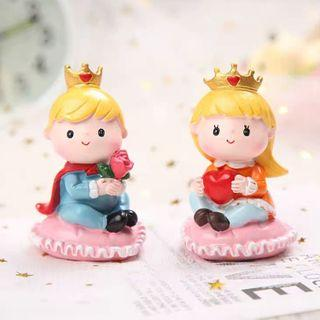 Prince and Princess couple cake toppers/ Figurine/toy/Display/miniature