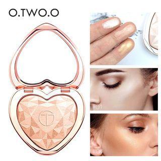 O.TWO.O Shimmer Highlighter Powder Palette Heart-shaped