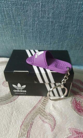 紫色愛迪達拖鞋鑰匙圈