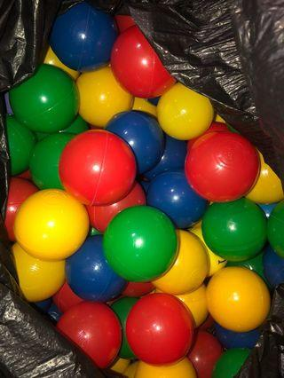 Sale of Pre-owned Colourfull Balls (>40balls)