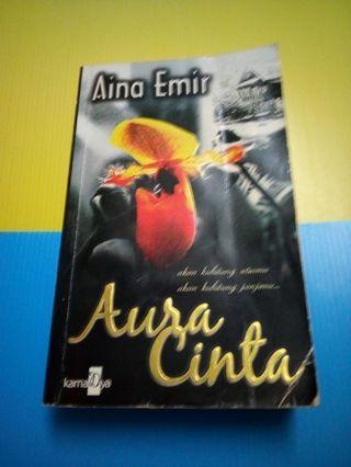 Novel Aura Cinta