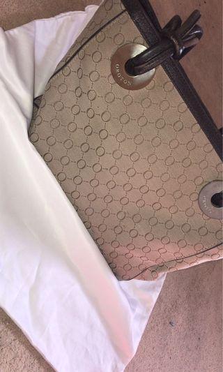 Oroton medium handbag 👝
