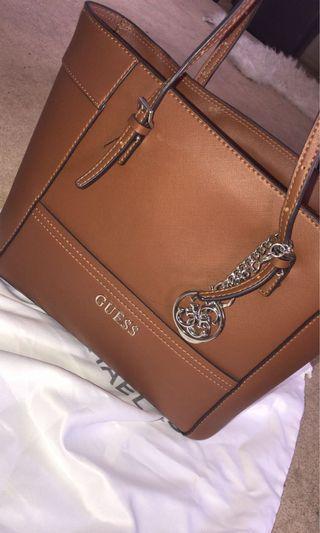 Guess handbag in 'medium mocha' tote