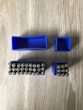 🚚 皮革字母工具