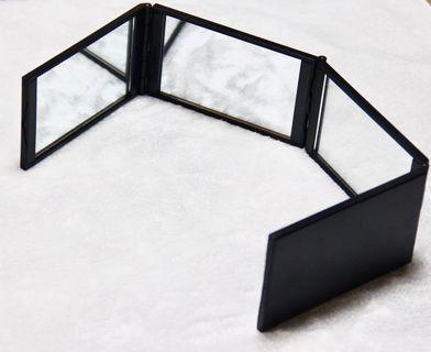 🚚 二手近全新 化妝鏡 折疊鏡 美睫 眼妝 360度 四折鏡 梳妝鏡 多角度 收納 隨身 折疊式設計 送收納袋 攜帶輕便