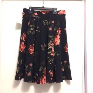 Black Floral Skirt (Size Large)