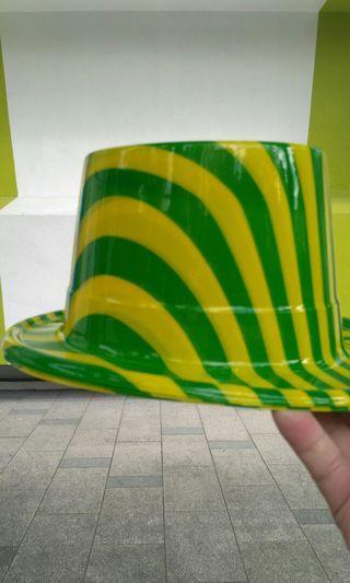 魔術師帽5頂20元—頂,全要80元
