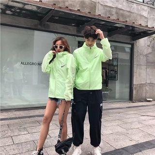 Nike19夏季男女同款户外運動休閒超薄防曬防紫外線情侣款連帽外套 順豐包郵
